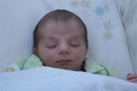 neonato nella come posizionare un neonato nella