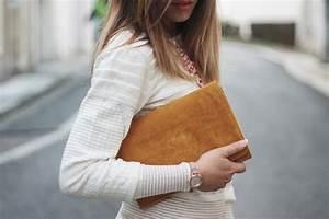 Pochette Jaune Moutarde : le pull beige parfait blog mode la penderie de chloe ~ Teatrodelosmanantiales.com Idées de Décoration