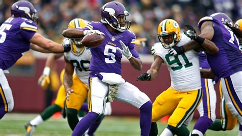 nfl week  tv schedule maps vikings packers showdown
