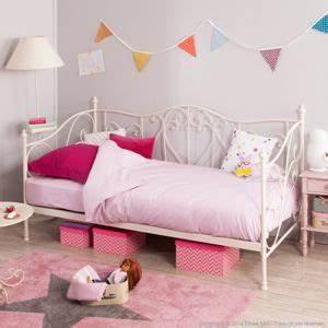 Lit Banquette Fille : lit banquette enfant en m tal 90 x 190 cm capucine blanc ~ Teatrodelosmanantiales.com Idées de Décoration