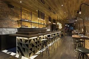 Bar Style Industriel : id es d co pour un bar au look industriel bar pinterest bar id e d co bar et restaurant ~ Teatrodelosmanantiales.com Idées de Décoration