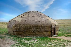 Living in Yurts – the very first Prefabricated Houses