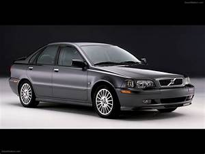 Volvo S40  1995  Exotic Car Image  010 Of 13   Diesel Station