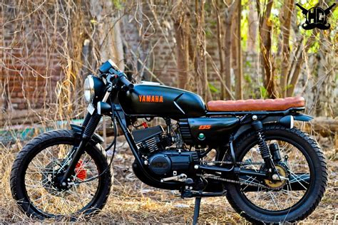 Karizma Modified Cafe Racer by This Modified Yamaha Rx135 With Caf 233 Racer Theme Looks