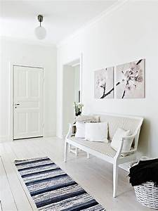 Entryway, Seating, Designs, For, Small, Spaces