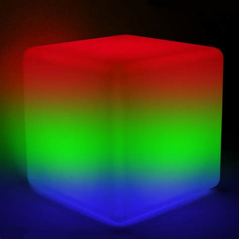 le mit fernbedienung farbwechsel solarleuchte leuchtw 252 rfel cubito 30 cm mit farbwechsel und