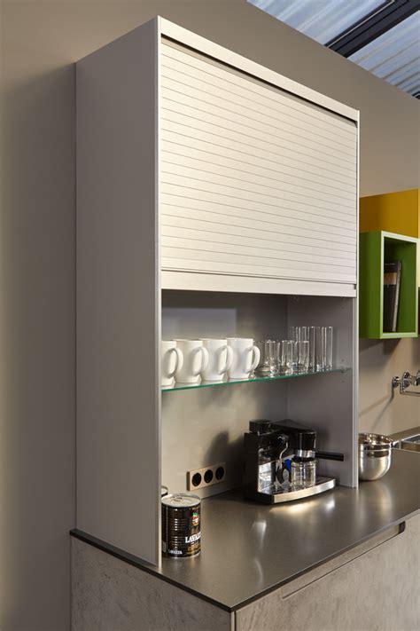 meuble à rideau pour cuisine cuisine équipée effet béton ciré par beeck