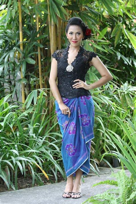 Inspirasi model model kebaya modern artis indonesia. Padu Padan Model Baju Kebaya Modern Lengan Pendek - Desain ...