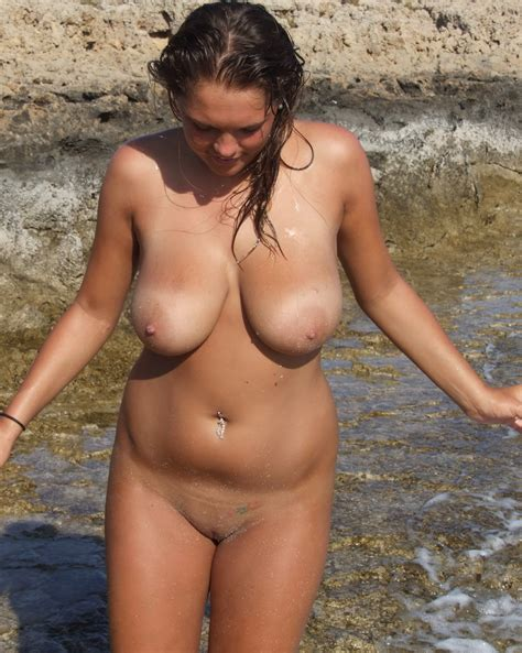Amateur Nude Girls On Beach Busty