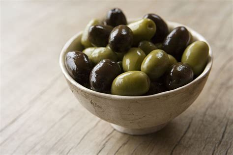 olive and green and black olive varieties and types