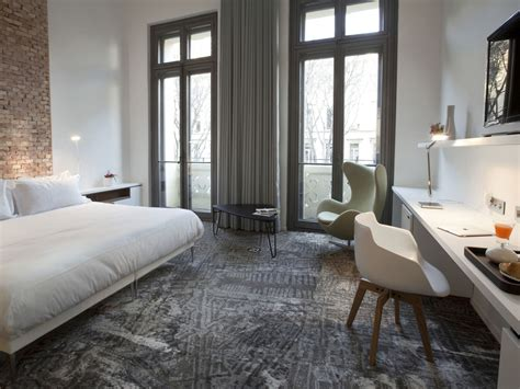 hotel avec dans la chambre dans le sud hôtel 4 étoiles au vélodrome ac hotel marseille hotel