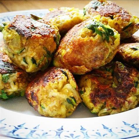 cuisine vegetarienne simple et rapide boulettes végétariennes courgettes oignons et curry