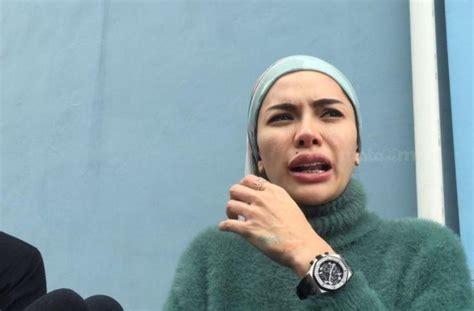 Beredar Foto Nikita Mirzani Lepas Hijab Kenapa Sih