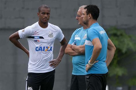 Com elenco inchado, Santos define 60% dos inscritos para o ...