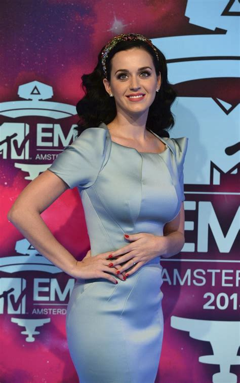 katy perry diet revealed  singer eats  maintain