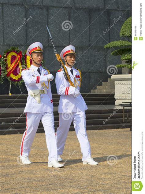 la garde d honneur au mausol 233 e de ho chi minh hano 239 photo 233 ditorial image 66646481