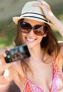Hübsche 12 Jährige Mädchen : h bsche junge m dchen unter selfies mit ihrem smartphone stockfoto nenetus 50534107 ~ Eleganceandgraceweddings.com Haus und Dekorationen