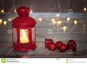 Lanterne De Noel : lanterne de no l avec la bougie et la petite d coration de no l photo stock image 44140790 ~ Teatrodelosmanantiales.com Idées de Décoration