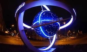 Globus Als Lampe : weltkugel und globus aus metall bis 15 m durchmesser in monumentalen gr en ~ Markanthonyermac.com Haus und Dekorationen