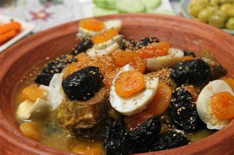 food with a moroccan family plan it morocco