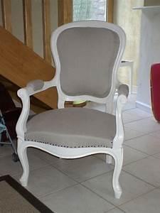 Fauteuil De Style : fauteuil style louis philippe apr s photo de un endroit pour s 39 asseoir bkr ations ~ Teatrodelosmanantiales.com Idées de Décoration