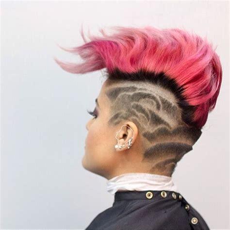 undercuts  women hit  barbershop