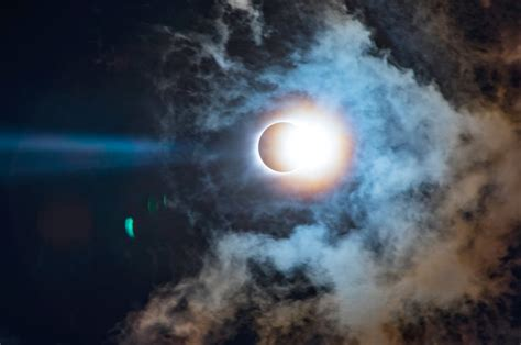 Check Out This Gorgeous Eclipse Timelapse Video And Learn