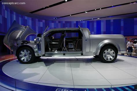 2006 Ford F250 Super Chief Concept Image. https://www ...