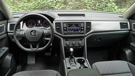 vw atlas   review fuel economy interior space