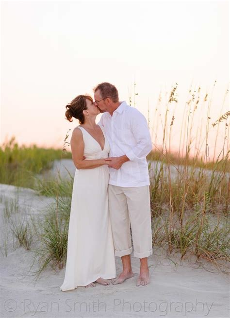 Fun sunset pictures with the bride and groom at Holden ...