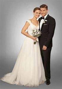 25 stunning wedding dresses from your favorite tv shows With wedding dress tv shows