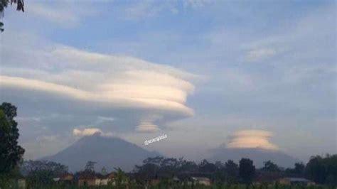 awan lenticularis muncul  gunung lawu ternyata