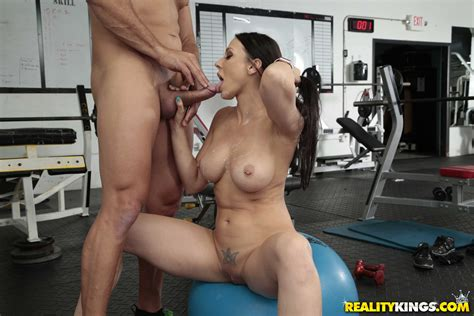 Brunette Goes To The Gym For Sex Photos Rachel Starr