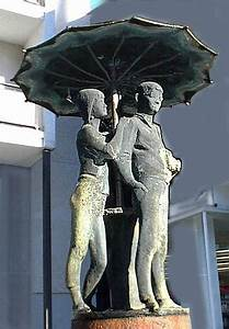 Chemnitztourde Brunnen Kinder Im Regen Von Johann Belz In