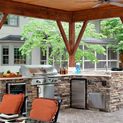 Outdoor L by L Shape Outdoor Kitchen