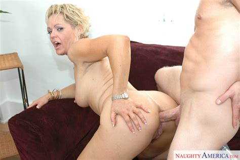 Kelly Leigh And Jeremey Holmes In My Friend S Hot Mom My