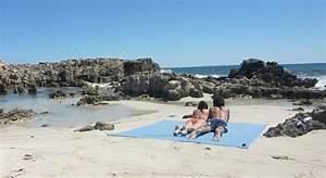 Serviette De Plage Xxl : sur la plage avec baba une fille nantes ~ Teatrodelosmanantiales.com Idées de Décoration