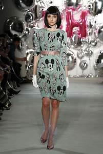 Aktuelle Modetrends 2017 : aktuelle modetrends aus der kollektion von lena hoschek ~ Frokenaadalensverden.com Haus und Dekorationen