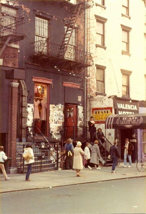 amazing photographs capture street scenes   york city    vintage everyday