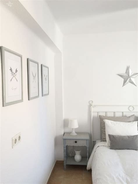 How To Style Your Bedroom On A Budget by 25 Best Ideas About Coordinating Colors On