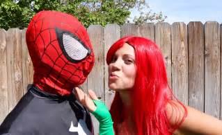 Poison Ivy vs Batman Real Life