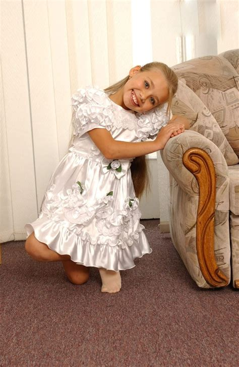 Pin By Tom Shock On Anya Dasha Flower Girl Dresses Cute