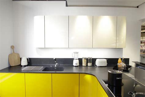 cuisine mur jaune cuisine blanche mur jaune