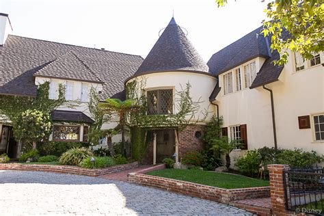 Disney Home by Disney Insider My Tour Of Walt Disney S Home In Los Feliz