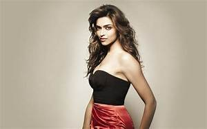 Deepika Padukone Hot & Sexy Images