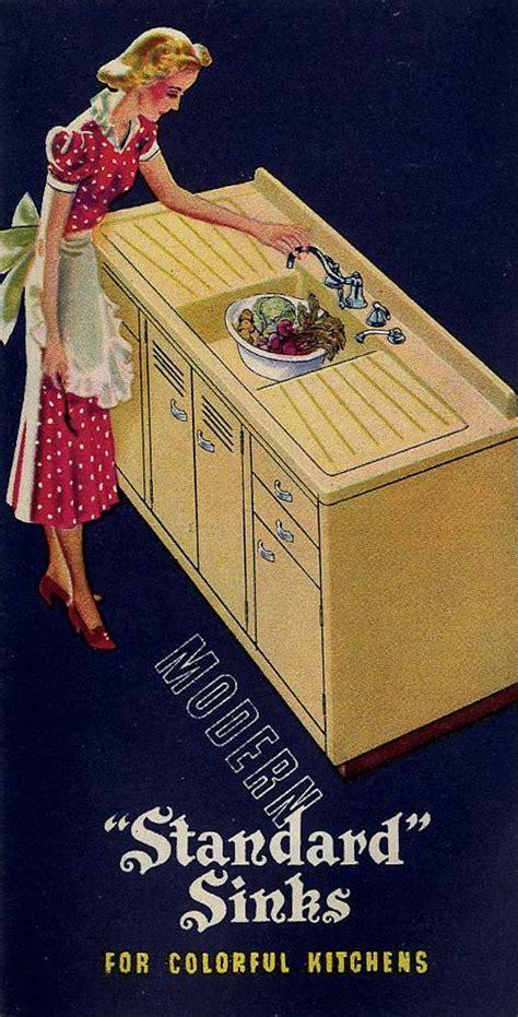 Classic colors for a 1940s kitchen: Ming Green, Ivoire de