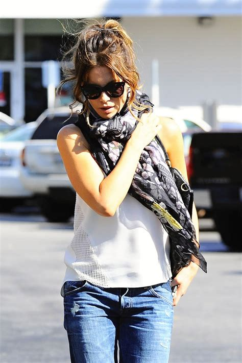Kate Beckinsale in Relaxed Skinny Jeans - Out in Brentwood ...