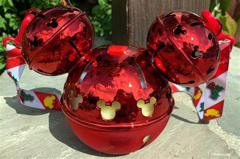 christmas popcorn buckets  drink sippers  landed  disney world