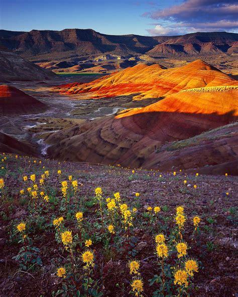 painted hills sunset eastern oregon mike putnam