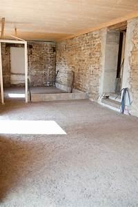 Isoler Un Sol : isoler un sol avec du b ton de chanvre diy travaux arquitectura hogar et masia ~ Melissatoandfro.com Idées de Décoration